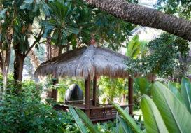 Jardin-hotel-huerto-del-cura